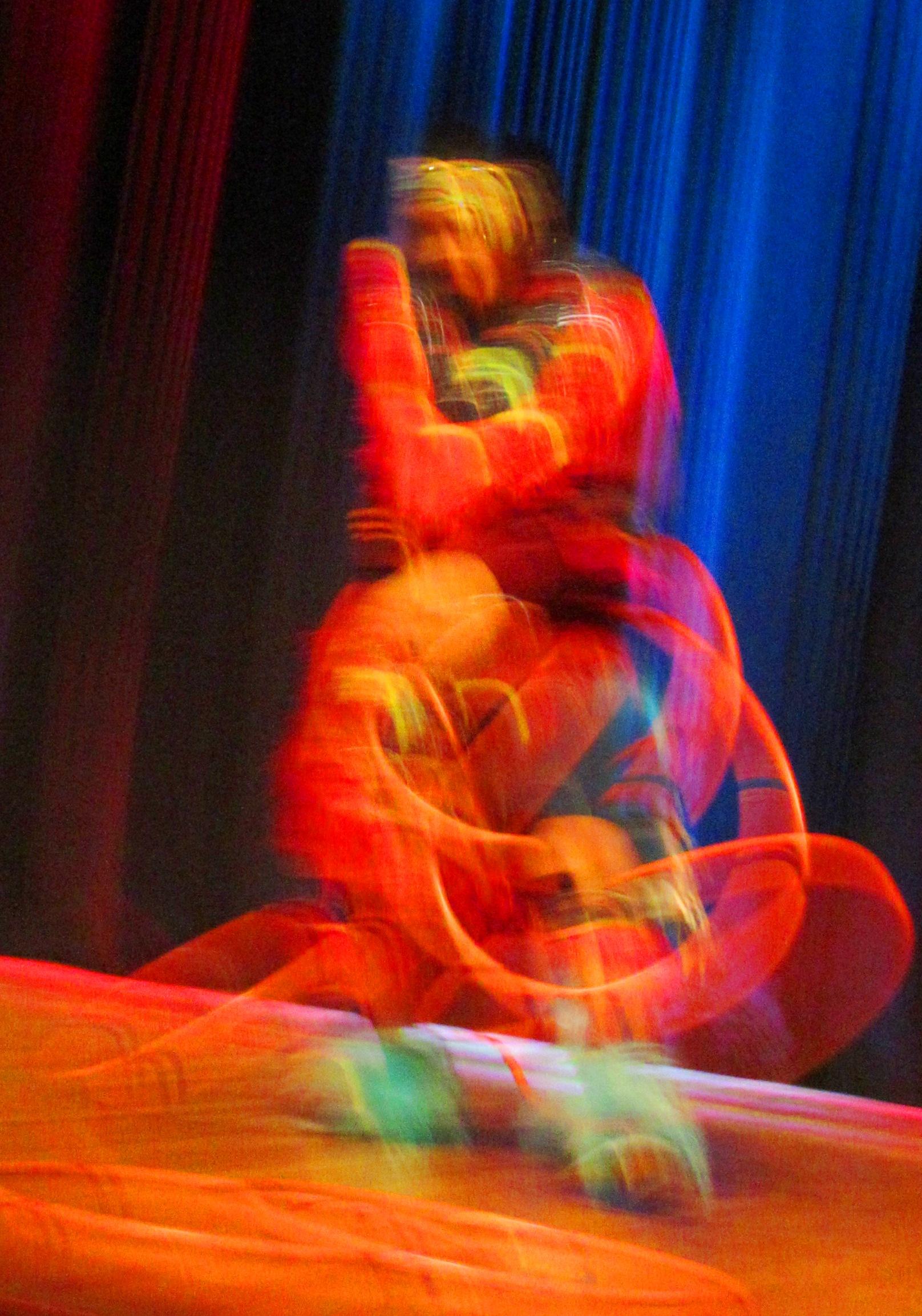 Hoop dancer Nimkii Osawamick