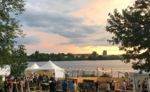 Sunsets at Bluesfest on the Ottawa River - Photo : Christophe Elie