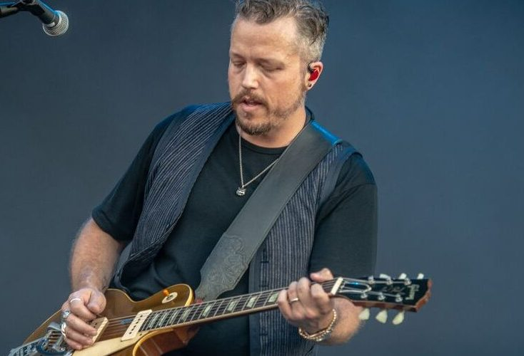 Jason Isbell rockin a gold top Les Paul - Photo : Sean Sisk